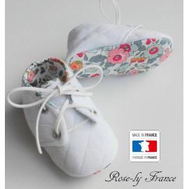 Chaussons bébé matelassés et liberty Betsy Porcelaine (baby shoes)