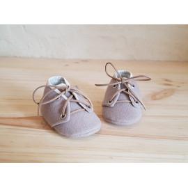 Chaussons bébé en lainage beige