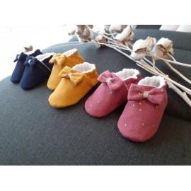 Chaussons bébé BIO double gaze de coton différents coloris