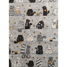 Tissu coton - Gros chats blanc, gris et noir avec des cœurs orange sur fond gris clair- Oeko-Tex