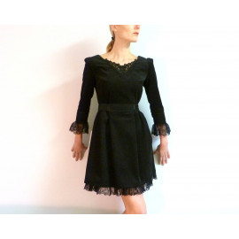 Robe noire en velours côtelé & dentelle MEREDITH