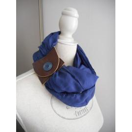 Écharpe, foulard, chèche homme coton marine et passant cuir.
