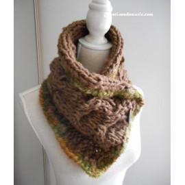 Écharpe hiver femme laine, col cache coeur, écharpe boutonnée taupe et kaki