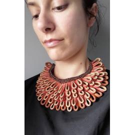 Collier plastron franges cuir camel, collier ras du cou boho chic en cuir.