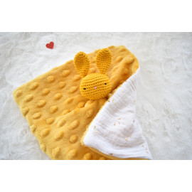 Doudou plat lapin jaune moutarde et blanc, peluche lapin,fait main, peluche, cadeau naissance
