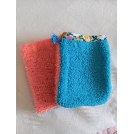 Gant de toilette exfoliant et tissu éponge