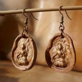 Boucles d'oreille - Tsa Tsa divinités et symboles bouddhistes - Argile