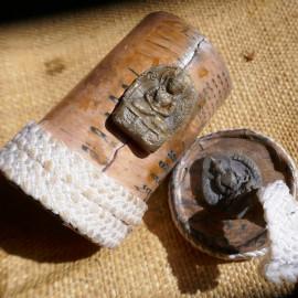Petite Boite bouddhiste décorative Tsatsa - rangement