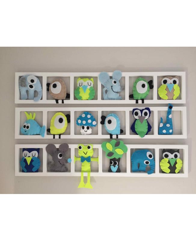 \'GREEN ATTITUDE\', Déco murale chambre bébé , figurines animaux des bois ,  tons gris , bleu , jaune fluo