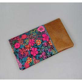 Porte chéquier et cartes en coton liberty bleu et rose, simili cuir marron