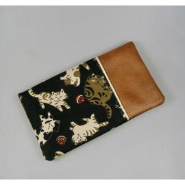 Porte chéquier et cartes en tissus japonais noir chats, simili cuir marron