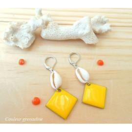 Boucles d 'oreilles ethnique, coquillage, sequin géométrique, jaune, idée cadeau anniversaire