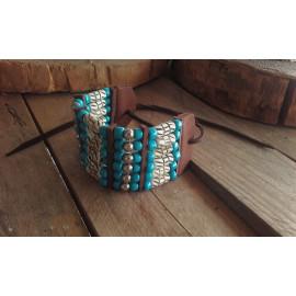 Bracelet Amérindien, 6 rangs, os sculptés, perles de verre bleues et perles métal - Ref: B 354