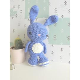 peluche lapin bleu/violet, doudou lapin, peluche decorative