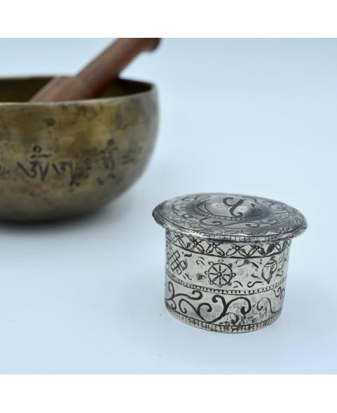 Boîte à encens en argent - Gravure signe auspicieux bouddhiste