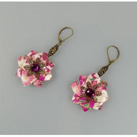 Boucles d'oreilles fleur origami en papier japonais rose