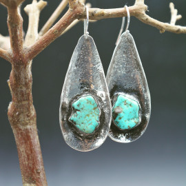 Boucles d'oreille - Turquoise sur fond martelé