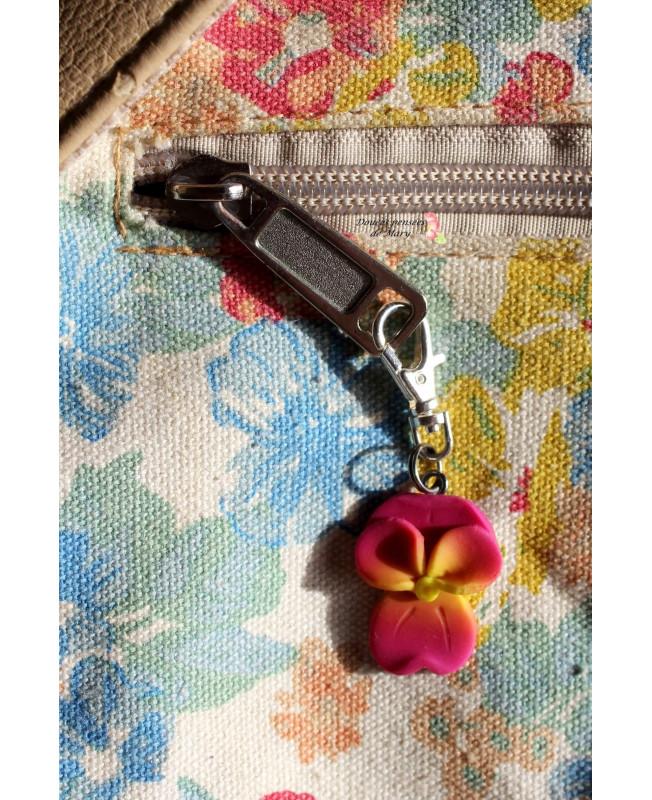 Handmade en Bois Coeur Porte-clés Keychain Rose Avec Violet Cœurs Imprimé