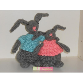 Patron Amigurumi Crochet : Layla le Lapin – Made by Amy | 270x270