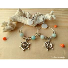 Boucles d'oreilles créoles sequin en nacre, pierre de gemme amazonite, gouvernail, idée cadeau anniversaire