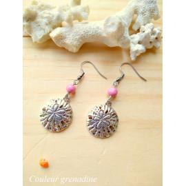 Boucles d'oreilles pendantes, perle en bois rose, fossile de méduse, idée cadeau anniversaire