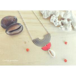 Collier plastron, ras de cou demi-lune corail et coquillage, idée cadeau anniversaire