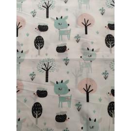 Tissu faons et arbres de couleur menthe et rose - en coton certifié - vendu par 10cm