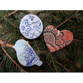 Décorations noel lot de 3 en céramique, suspension pour le sapin ou paquet cadeau de Noël