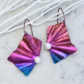 Boucles d'oreilles Solfado titane et perles de culture, rose et bleu