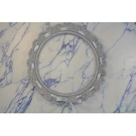 Cadre rond gris métallisé crocheté
