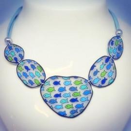 Collier plastron poissons bleu et vert