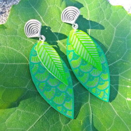 boucles d'oreilles grande feuille verte